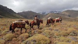 El Sapucai horse riding